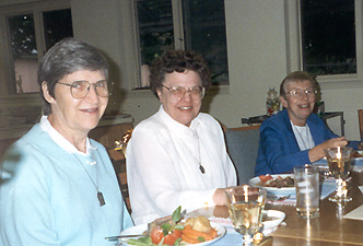 Sisters Pat, Mary Anne and Mary Lavin